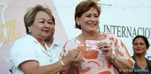 """Féminas emprendedoras y """"Tarjeta Mujer Paceña"""", el legado de Rosa Delia"""