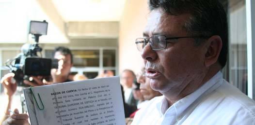 Intenta Villavicencio Garayzar tomar la rectoría de la UABCS