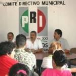 """Ángel Salvador Ceseña señaló que """"tenemos el propósito firme de seguir avanzando en torno al partido para lograr que los espacios de elección popular sean encabezados por priistas reconocidos por su compromiso de lograr beneficios para la población""""."""