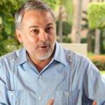 """En entrevista con Joaquín López Dóriga, el mandatario jalisciense refirió que """"puedo ganarle a Peña Nieto en 2012 porque los resultados me respaldan""""."""