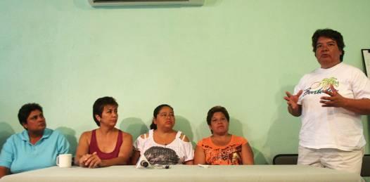 Denuncian calamareros de Santa Rosalía nuevos atropellos de las autoridades laborales