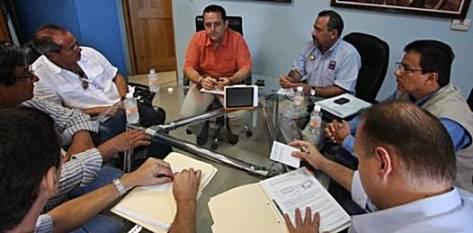 En la Secretaría General de Gobierno se dio una reunión con el empresario Luis Cano y el delegado federal de la Procuraduría Federal de Protección al Ambiente (PROFEPA), Pablo César Tamez Molina, con el propósito de buscar una solución al conflicto surgido entre ambas partes.