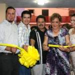 """Fue el delegado municipal de Cabo San Lucas, Martín Lagarda Ruíz; quien cortó el listón inaugural en los eventos que se presentaron la noche del sábado, destacando entre ellos, la exposición fotográfica montada en el lobby del teatro de la ciudad Miguel Lomelí Ceseña, denominada """"Cuba""""."""