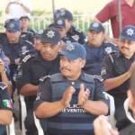 Existe un déficit de 300 a 350 elementos de la policía municipal, devela el General Ángel César Amador Soto, titular de la Dirección General de Seguridad Pública, Policía Preventiva y Transito Municipal de La Paz.