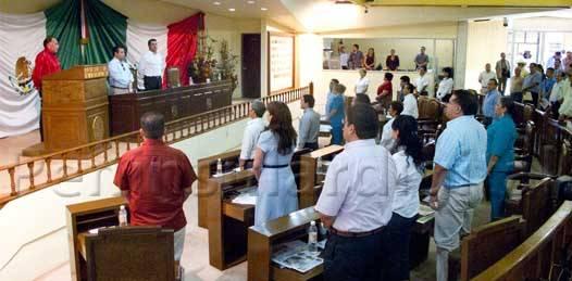 Entre actos de contrición, pedradas y promesas, comenzaron diputados el segundo periodo de sesiones