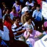 Antes de escuchar las voces de quienes representa, Efraín Monrreal Gastélum condicionó su presencia al respeto, es decir, si no se hacía la promesa de no mentarle la madre, no daría la cara, por lo que los manifestantes se aguantaron las ganas, no sin externarle lo más claro y agudo posible sus preocupaciones, inconformidades y exigencias que se le hacen al instituto, que absorbe porcentaje de su salario quincena con quincena, a través de él, pues representa al ISSSTE en la entidad.