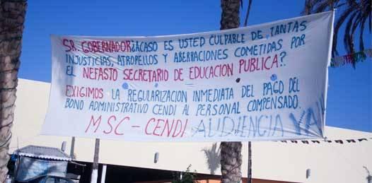 """Amenazan maestros cabeños con """"manifestación masiva"""" en Palacio de Gobierno"""