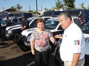 Reciben polimunicipales 9 patrullas, radios y chalecos antibalas como apoyo del SUBSEMUN