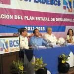 """A veces """"la medicina de hoy puede ser el veneno de mañana"""" explicó Marcos Covarrubias al señalar la necesidad de ajustar este plan conforme a las necesidades de la sociedad."""