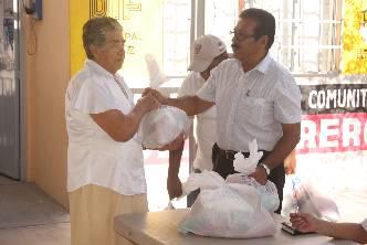 Entregan despensas en el Centro de Desarrollo Comunitario de la Guerrero
