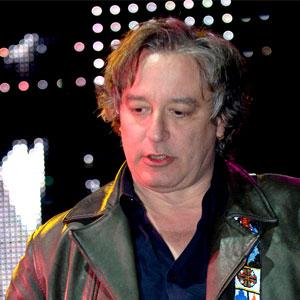 Por una causa noble, tocará Peter Buck de REM en Todos Santos