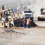 Desde el pasado jueves 17 de noviembre se realiza un corte vial en dicho tramo de la carretera Todos Santos-Cabo San Lucas, mismo que aún este sábado permanecerá cerrado, al igual que el domingo, de 10 y media de la noche a cinco y media de la mañana.