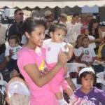 Pláticas acerca de educación vial, escuela segura, primeros auxilios, prevención del cáncer de mama y cervicouterino fueron ofrecidas, los payasos del circo de Miami hicieron reír a muchos y llorar a dos o tres pequeñines.
