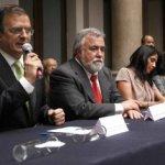 """Al reunirse con medios de comunicación, Marcelo Ebrard calificó de """"exitosa"""" la reunión y explicó que todas las corrientes del perredismo trabajarán para fortalecer la figura de López Obrador, de cara a la contienda que se avecina."""