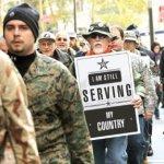 Los activistas se movilizaron por lo que llamaron la brutalidad contra un soldado veterano en Oakland, California, a quien le fracturaron el cráneo.