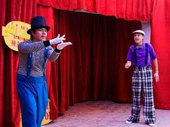 El martes, circo en el teatro