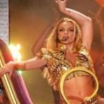 """Los más de 40 mil seguidores que se dieron cita en el recinto gritaron, bailaron y cantaron a ritmo de los éxitos de """"La Princesa del Pop"""", quien hizo playback en algunas canciones."""