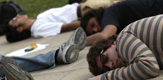 Le recuerdan estudiantes del TEC a Calderón el asesinato de joven sudcaliforniano