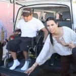 La Presidenta del Sistema Estatal DIF, María Helena Hernández de Covarrubias, realizó entrega de vehículo totalmente equipado para traslado de personas con discapacidad a la Directora General de DIF, Dr. María del Carmen Cerón en el municipio de Los Cabos.