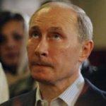 Según la prensa, para no verse salpicado por las acusaciones de fraude, Putin se ha desligado de Rusia Unida durante la campaña con vistas a las elecciones presidenciales del 4 de marzo, en las que podría verse obligado a disputar una segunda vuelta.