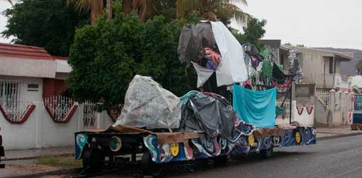 Se salvaron de la lluvia los carros alegóricos del carnaval