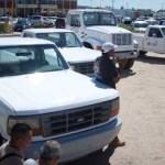 Tres chasis cabinas y doce camionetas tipo pick up donó la Comisión Federal de Electricidad (CFE) al Ayuntamiento de La Paz.