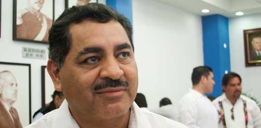 3 mil 260 millones de pesos, más cerca de 200 millones en participaciones extras destinadas a infraestructura, es lo que la SEP percibirá este año, sin embargo no es suficiente y los COBACH son un gran golpe a la economía del estado, dijo el secretario.