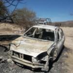 Al VW reportado como robado le faltaban las llantas, los guardafangos y las defensas, además de haber sido consumido por el fuego.