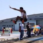 En la fosa de salto de longitud, la atención se centró en la actuación de Angel Villalobos, quien prácticamente estuvo volando, alcanzando los 6.94 metros para tener el primer lugar, en la que ha sido su mejor actuación hasta el momento, por lo que se coloca como firme aspirante a la medalla de oro olímpica.