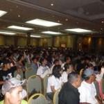 """Trabajadores afiliados a diversos sindicatos reciben conferencia sobre """"el cambio climático""""."""