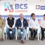 Acompañado del Presidente Municipal Venustiano Pérez Sánchez, el ejecutivo estatal enfatizó que la conjunción de esfuerzos para otorgar beneficios tangibles, como esta carretera alimentadora que por décadas estuvo sin que se le otorgara un mantenimiento y que era intransitable.