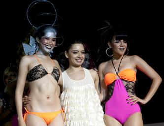 Rockea a La Paz pasarela de bikinis