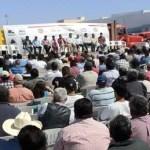 """En entrevista para los medios, Isaías González reprobó la iniciativa del director de transporte estatal quien, dijo, intenta imponer a """"fulanos"""" en las representaciones de transportistas que no tienen nada que ver con la unidad de los trabajadores del camino."""