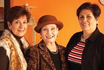 Rodeada de sus amigos, cumplió años Martha Talamás