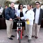 Durante el desarrollo del acto cívico de cada inicio de semana el Alcalde de Los Cabos, hizo entrega de reconocimientos a mujeres destacadas por su labor altruista, así también de una bicicleta a la señora Ernestina Meza para que realice sus actividades cotidianas de mejor manera.