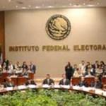 Los partidos Revolucionario Institucional (PRI) y Acción Nacional (PRI) abrieron un nuevo frente en la contienda electoral: impugnaron la toma de protesta de Josefina Vázquez Mota y de Enrique Peña Nieto ante el IFE.