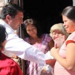 """Ricardo Barroso pidió a los comundeños su apoyo para el candidato presidencial Enrique Peña Nieto, quien encabeza el cambio con rumbo que requiere México para abatir los grandes problemas de inseguridad, de desempleo, así como los rezagos en los sectores educativo y de salud, """"como lo estamos viendo en este puerto que lleva el nombre de un gran presidente de México, Adolfo López Mateos""""."""