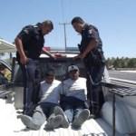 El reporte llegó a la policía vía C2 y C4, por lo que de inmediato acudió una patrulla de la policía ministerial y cinco de la municipal, así como 30 elementos, quienes lograron capturar a siete de los 26 internos que se dieron a la fuga, quienes para su investigación, permanecen en barandillas de la Dirección General de Seguridad Pública de Los Cabos.