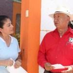 González Cuevas escuchó los lamentos de los ciudadanos de estas poblaciones del Municipio de Comondú, donde la gente se dice agraviada por el gobierno municipal el que no ha respondido a las promesas de campaña las cuales sólo quedaron en eso.