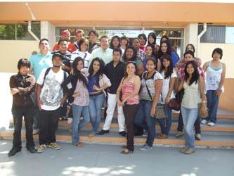 Acompañó el Rector de la UABCS a estudiantes a la celebración por el Día de la Libertad de Expresión