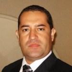 Ulises Grajales, aspirante a diputado federal en Chiapas, persiguió a tres operadores panistas, los tiroteó y mató a uno. Al parecer huyó
