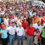 Isaías González, acompañado de Francisco Martínez Mora, candidato a Diputado Federal y líderes de la Croc, fue contundente en señalar que los demás partidos con mentiras y descalificaciones al PRI intentan ganar las elecciones. Las elecciones se ganan con votos y con la buena voluntad de los ciudadanos, dijo.
