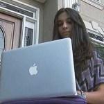 Sahar Sabet tiene 19 años y, aunque su primera lengua es inglés, habla farsi -o persa- de corrido.