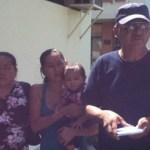 """La madre y esposa del detenido declaran que no se les ha permitido visitarlo regularmente. La señora Petra Rosas, declaró que su hijo sufre de diabetes y necesita inyecciones diarias de insulina y, en el momento de ser detenido, le negaron el paso para inyectarlo, """"ni modo que yo fuera a inyectarle otra cosa, si soy su madre""""."""