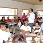 Ricardo Barroso lamentó que a un año de la campaña por la gubernatura haya encontrado los mismos problemas sociales en la zona Pacífico Norte, por eso se dijo listo para llegar al Senado, y desde ahí ser solidarios con el sector pesquero de Baja California Sur.