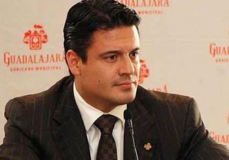 En Jalisco el candidato por el PRI, Artistóteles Sandoval asegura que va arriba en las encuestas de salida.