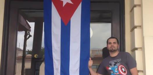 Causa indignación a sindicalizados el viaje del regidor paceño a Cuba