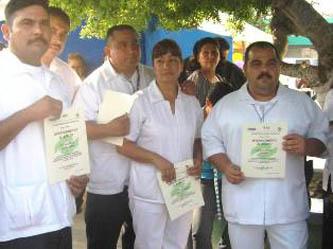Una vez concluido su servicio, los estudiantes obtendrán un título como Profesional Técnico en Enfermería General con Bachillerato, así como cédula profesional que emite la Dirección General de Profesiones.