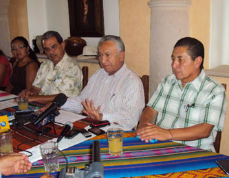 Desorienta a la sociedad la difusión que se le da a AMLO, sostiene Isaías González