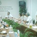 En la más reciente sesión del Consejo Local del Instituto Federal Electoral (IFE), se solicitó la revisión minuciosa de los votos catalogados como nulos y se reportó la instalación del cien por ciento de las casillas.